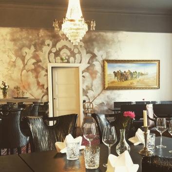 Kotkan klubi ravintolan seinämaalaukset